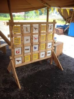 Viva Colores Coop Familienwanderung Wanderwege Schweiz Modell Unikat Handarbeit Landschaft Modellbau Design Event Dekoration Deko Spiel Eventspiele Holz Memory