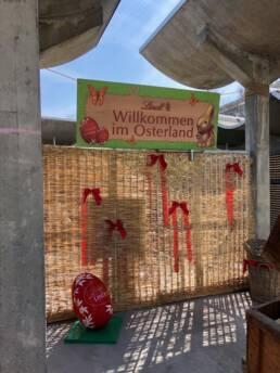 Lindt Sprüngli Chocolate Osterdorf Oster Event Ostern Eventspiele Kugelbahn Holz Unikat Viva Colores Handwerk Beschilderung Beschriftung Design